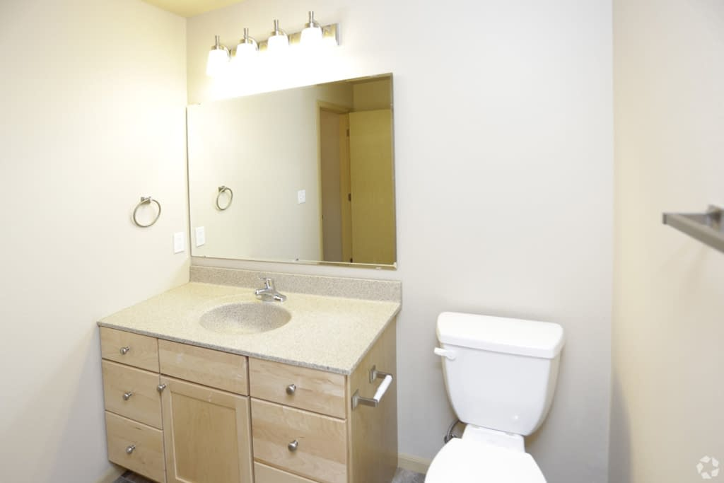 steeples-apartments-grand-forks-nd-two-bedroom-bathroom