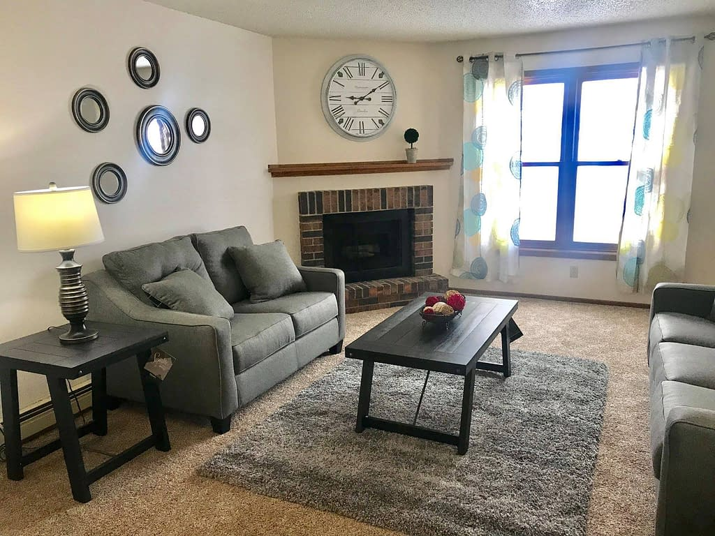 Carrington Court Townhome Apartments Grand Forks