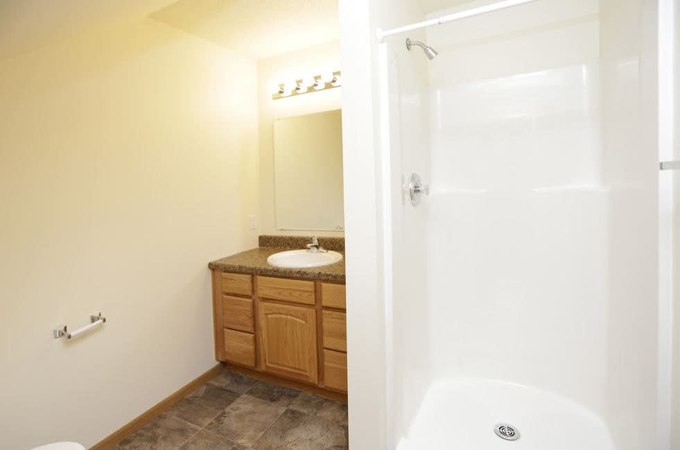 Townhomes for Rent Grand Forks 2 bedroom