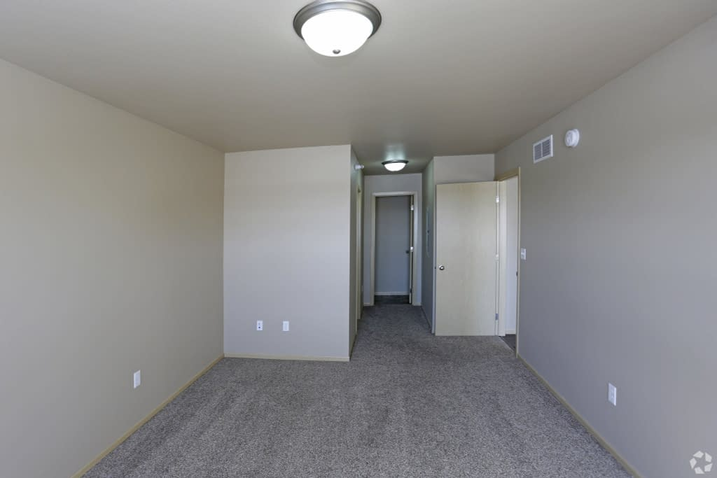 Steeples 2 Bedroom Apartments