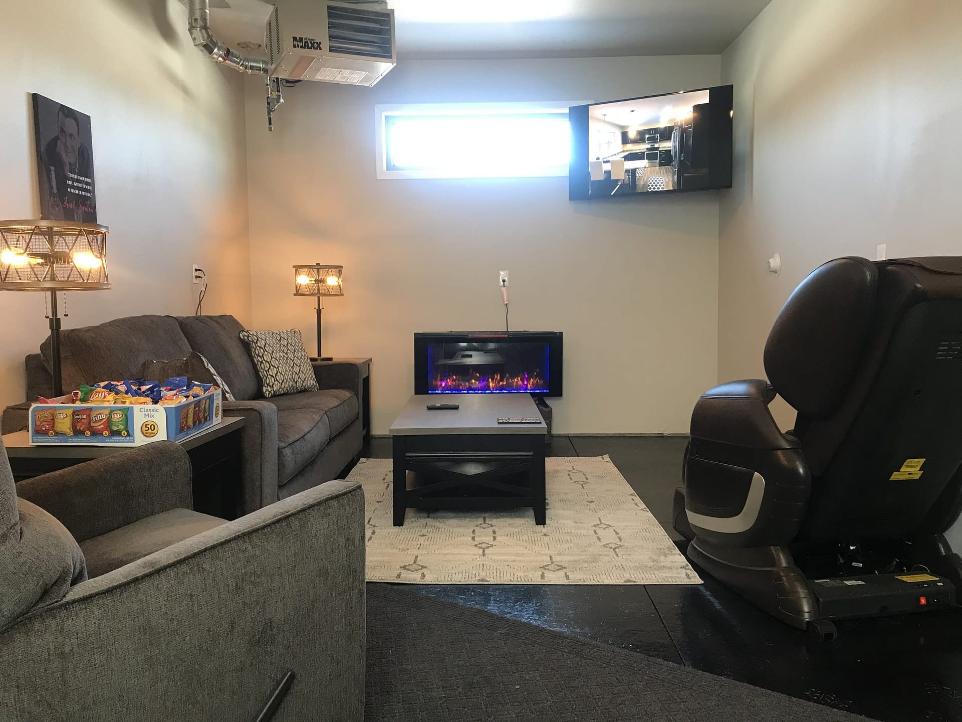 Empire Custom Townhome Rental Property with Man Cave