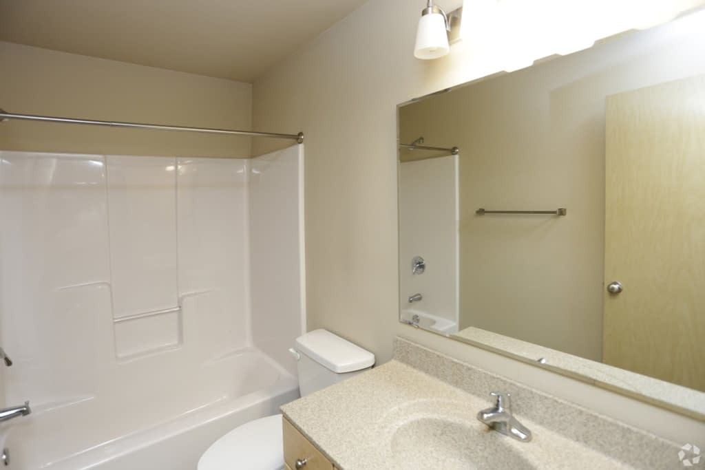 Steeples 2 and 3 bedroom apartments in Grand Forks