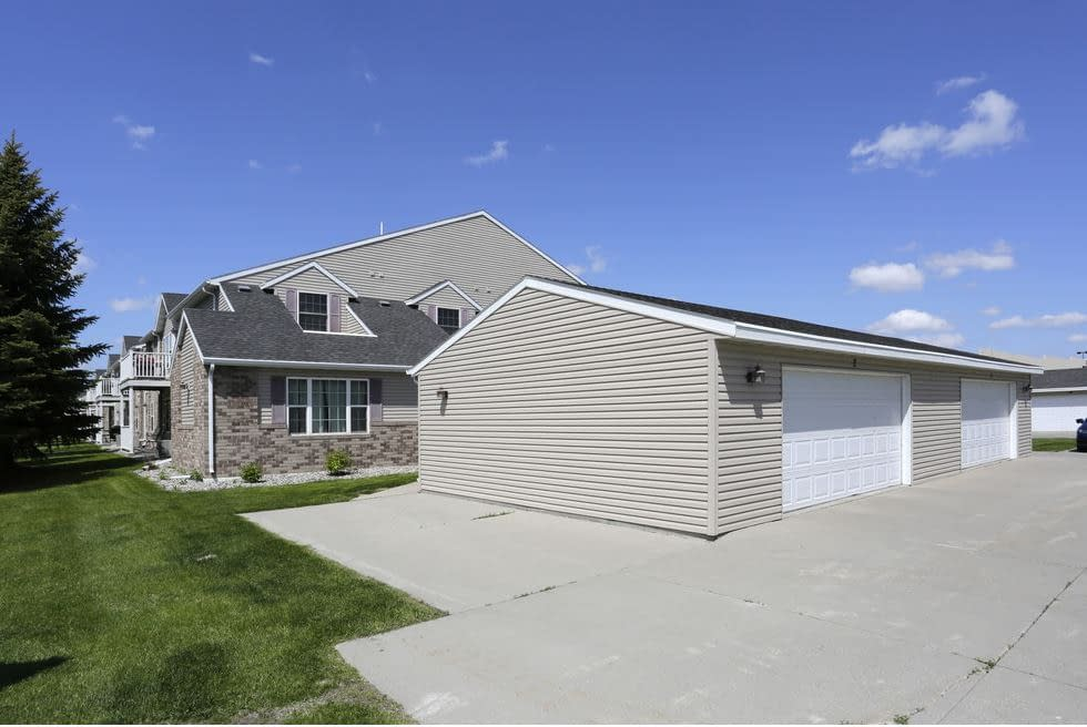 South Hampton Townhomes Grand Forks 2 bedroom