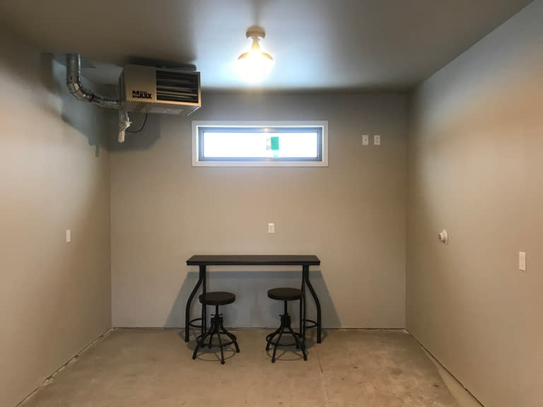 Empire Townhomes Hobby Room