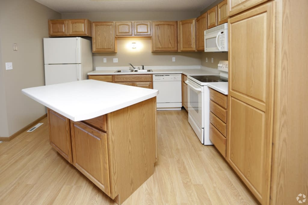 South Hampton Townhomes for Lease 2 bedroom, 2 Bath